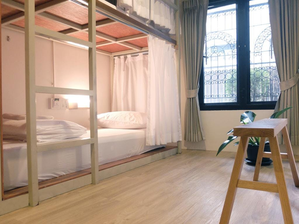 Monomer Hostel