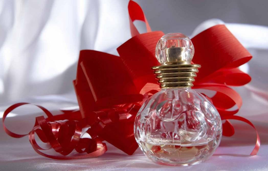 Nước hoa được đánh giá là một lựa chọn an toàn trong mùa lễ tình nhân năm nay